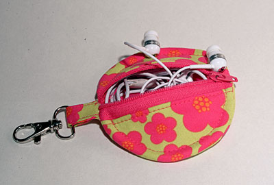 earbud headphones purse